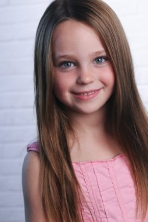 Katelyn Mager Headshot 1